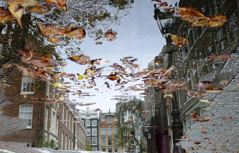 Mirror-city-6-van-25-300dpi_frontpage